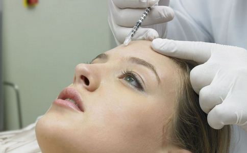 姑娘因纹眉患上丙肝 揭丙肝如何传播