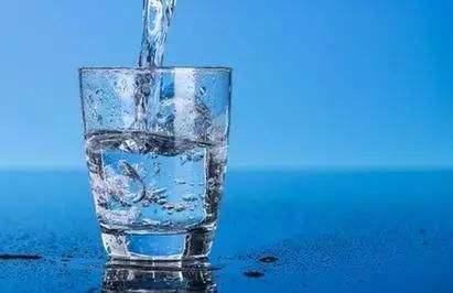 早晨到底先喝水还是先刷牙